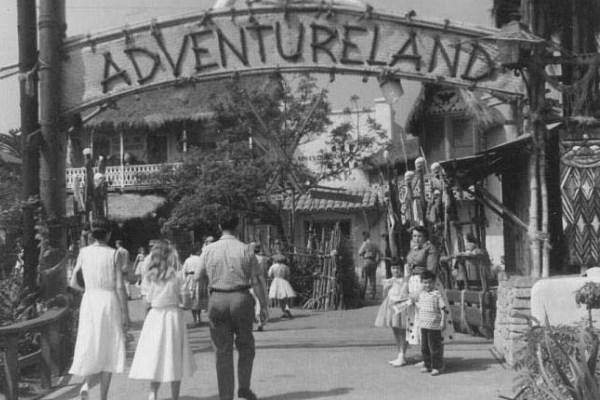 Disneyland 1955 Adventureland entrance image
